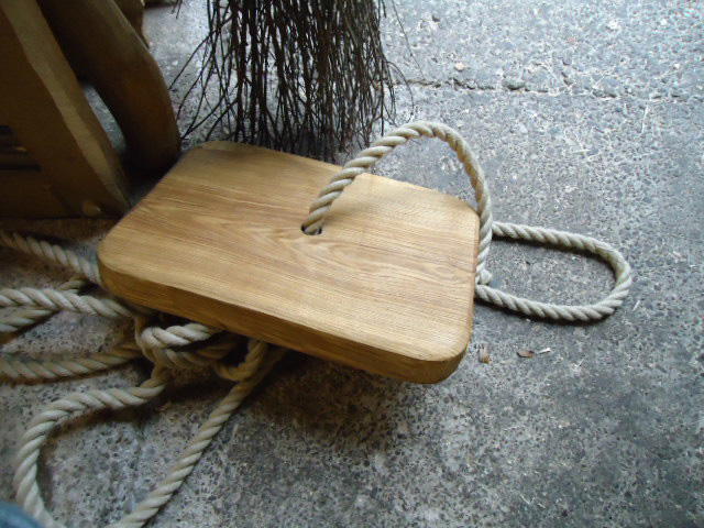 Hand Made Single Rope Green Hardwood Swing Best Prices For Rope - Garden decking rope